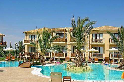 Στο υπερπολυτελές ξενοδοχειακό συγκρότημα πέντε αστέρων «Mediterranean Village» στην Παραλία Κατερίνης λειτουργούν 48 μπόιλερ με αντλία θερμότητας της ADTHERM, τα οποία είναι τοποθετημένα στα 18 κτίρια, καλύπτοντας πλήρως τις ανάγκες για ζεστά νερά χρήσης