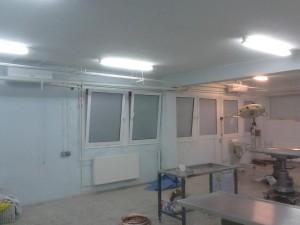 Τα δύο κλιματιστικά που τοποθετήθηκαν στα χειρουργεία της κλινικής της Κτηνιατρικής Σχολής του Α.Π.Θ.