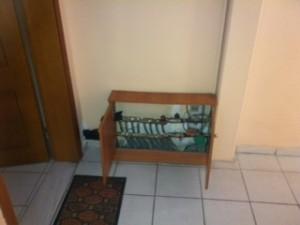 Ο συλλέκτης στην είσοδο του διαμερίσματος, όπου κατέληξαν οι σωληνώσεις της αντλίας στο διαμέρισμα της κ. Ευγενίας Γεωργοπούλου