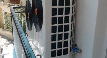 Αντλία θερμότητας σε μπαλκόνι διαμερίσματος στη Θεσσαλονίκη