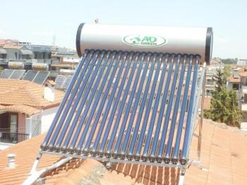 Εγκατάσταση ηλιακού θερμοσίφωνα με συλλέκτη κενού