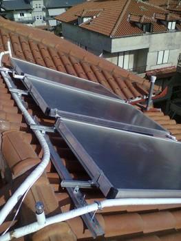 Ηλιοθερμικό σύστημα για παραγωγή ζεστού νερού χρήσης σε ξενοδοχείο