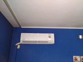 Κλιματιστικό μηχάνημα στην οδό Τσιμισκή στη Θεσσαλονίκη