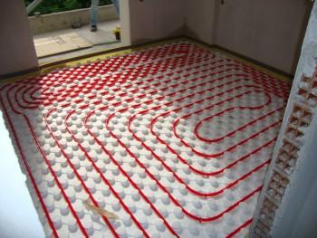 Εγκατάσταση ενδοδαπέδιας θέρμανσης σε κατοικία