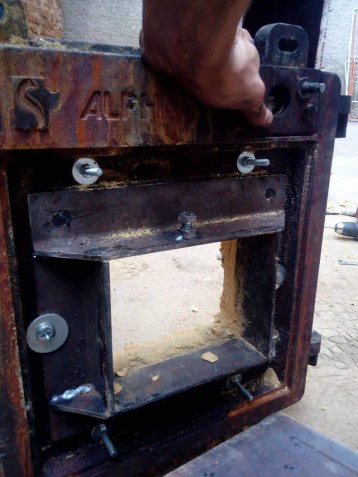 προσαρμογη πορτας πελλετ σε λεβητα πετρελαιου
