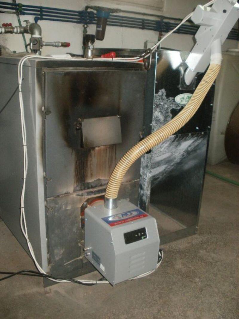 Τοποθέτηση καυστήρα βιομάζας BMix Digital 70kw σε ξυλολέβητα FOCOLUS 50 UNICAL