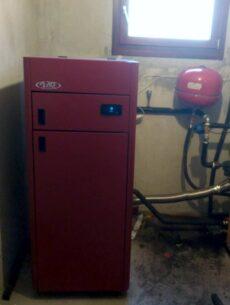 Αυτοκαθαριζόμενη μονάδα πελλετ BIOMAX σε μονοκατοικία στο Σβορώνο Πιερίας