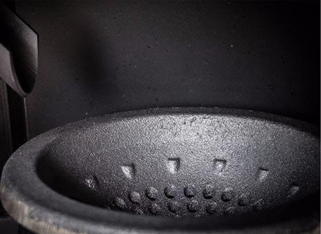 Εστία καύσης κατασκευασμένη από χυτοσίδηρο μαντέμι