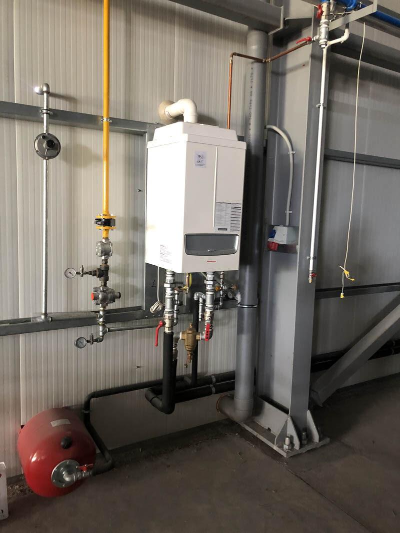 Εσωτερική εγκατάσταση φυσικού αερίου σε εργοστάσιο στην Πιερία