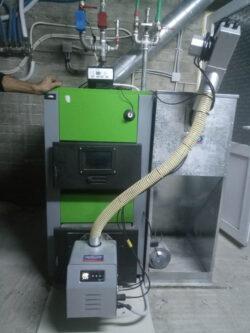 Τοποθέτηση καυστήρα Bmix Digital πελλετ σε λέβητα ξύλου 5 διαδρομών στο Κάλχας